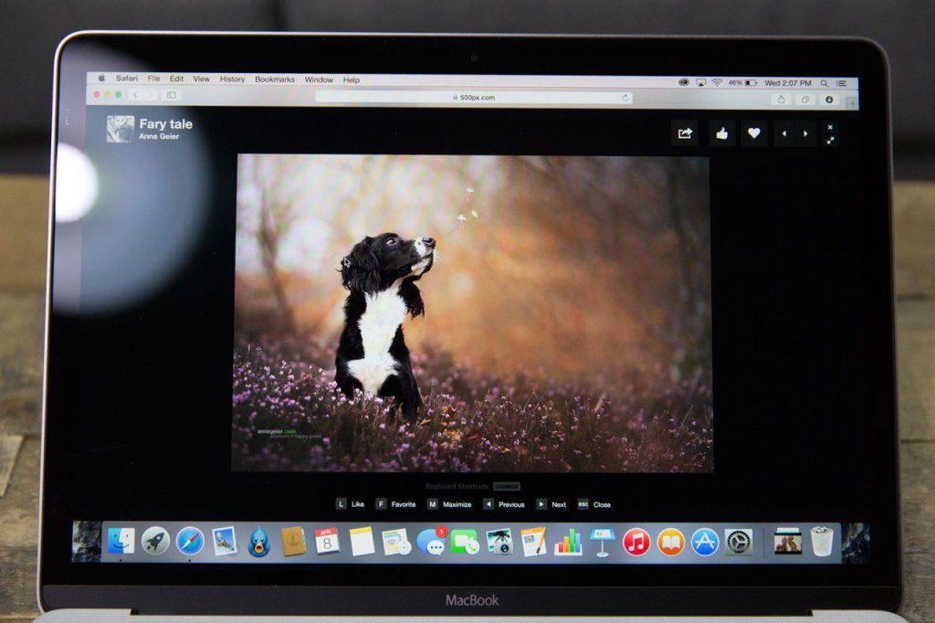 macbook-display